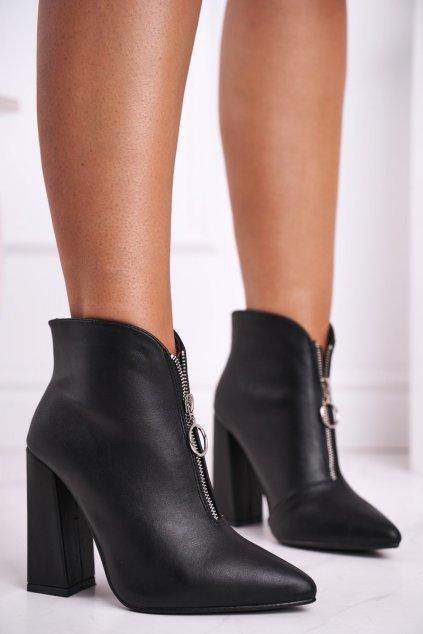 Členkové topánky na podpätku farba čierna kód obuvi L1332 BLK