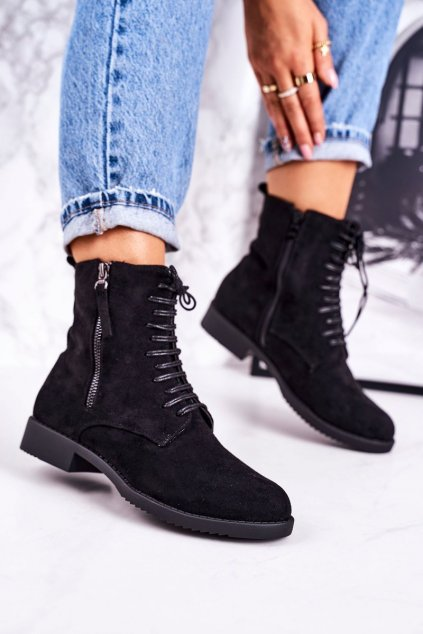 Členkové topánky na podpätku farba čierna kód obuvi A8315/A SUEDE BLK