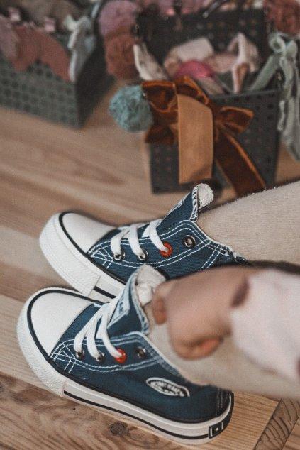 Detské tenisky farba modrá kód obuvi HH374085 NAVY