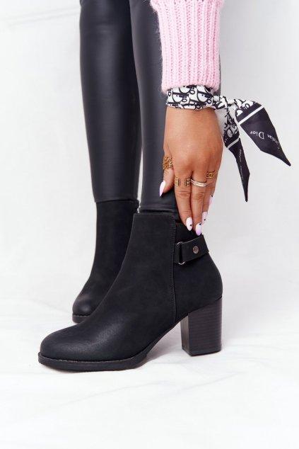 Členkové topánky na podpätku farba čierna kód obuvi 20Y8133-1 BLACK