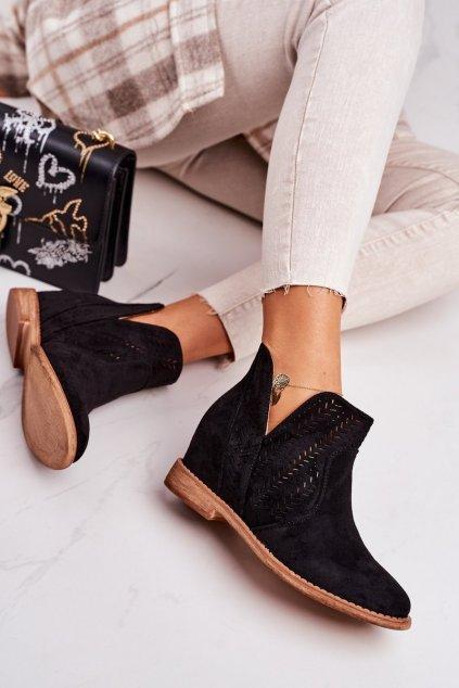 Členkové topánky na podpätku farba čierna kód obuvi A3755 BLACK