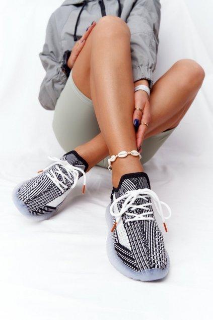 Dámske tenisky farba čierna kód obuvi 1087 BLK