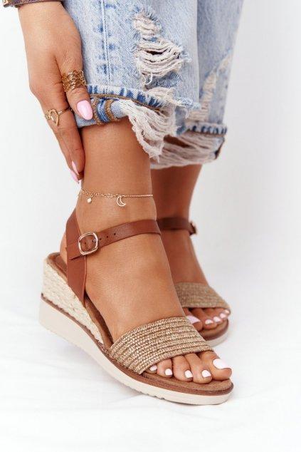 Dámske sandále na platforme farba hnedá kód obuvi 21SD98-3590 BEIGE