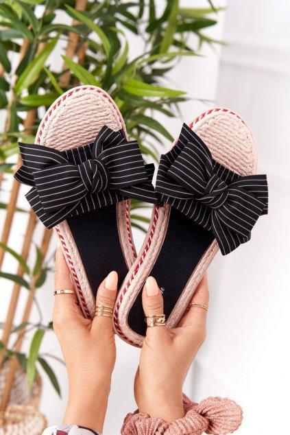 Dámske šľapky farba čierna kód obuvi K111 BLACK