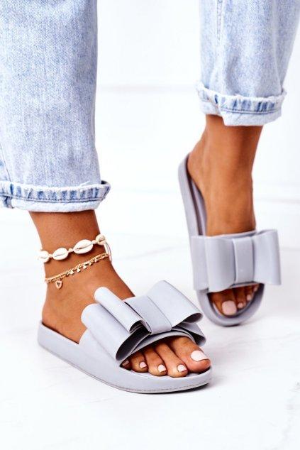 Dámske šľapky farba sivá kód obuvi CK82 GREY