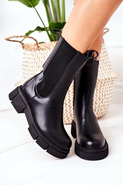 Členkové topánky na podpätku farba čierna kód obuvi QT16 BLACK