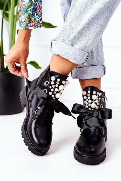 Členkové topánky na podpätku farba čierna kód obuvi NC1137 BLACK