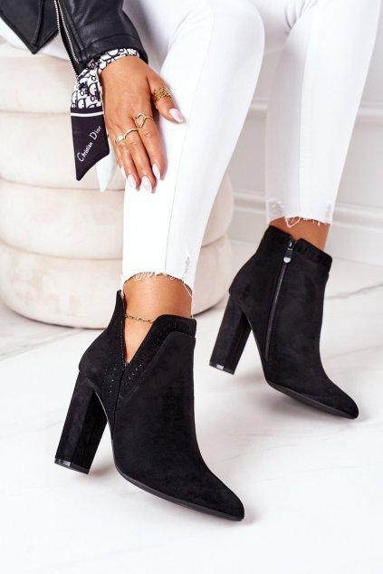 Členkové topánky na podpätku farba čierna kód obuvi UK33 BLACK