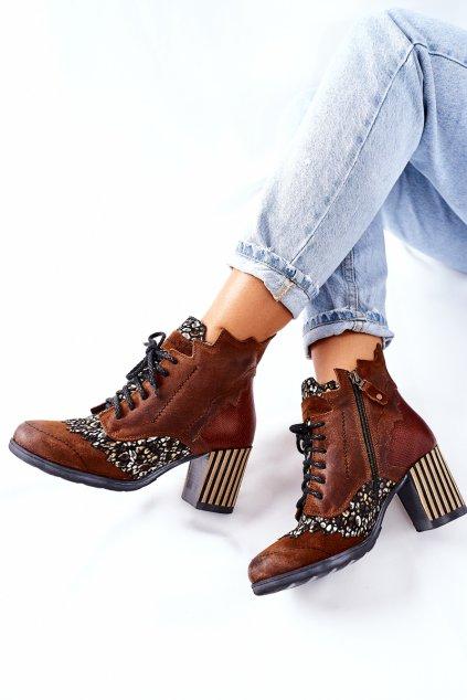 Členkové topánky na podpätku farba hnedá kód obuvi 03190-02/00-3 BROWN