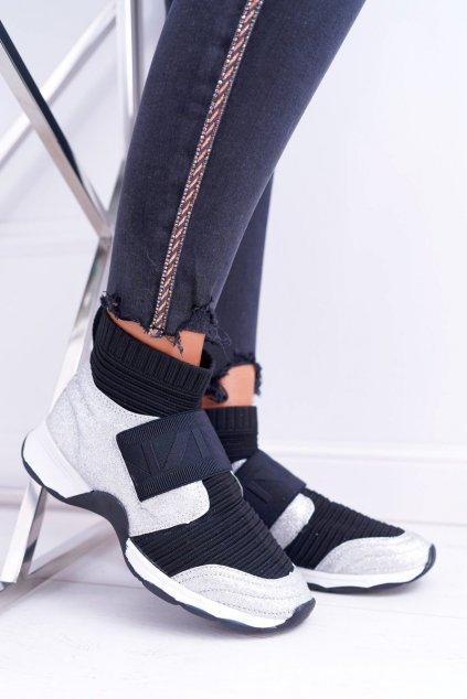 Dámske tenisky farba čierna kód obuvi HT9022 SILVER