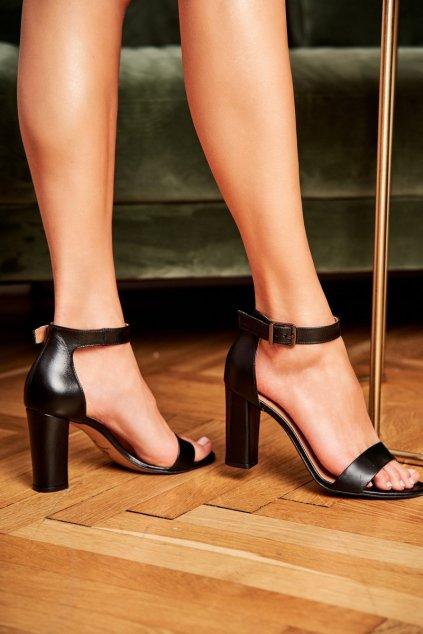 Dámske sandále na podpätku farba čierna kód obuvi 1760 142 BLACK