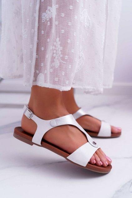 Dámske sandále s plochou podrážkou farba biela kód obuvi 541-8 WHITE