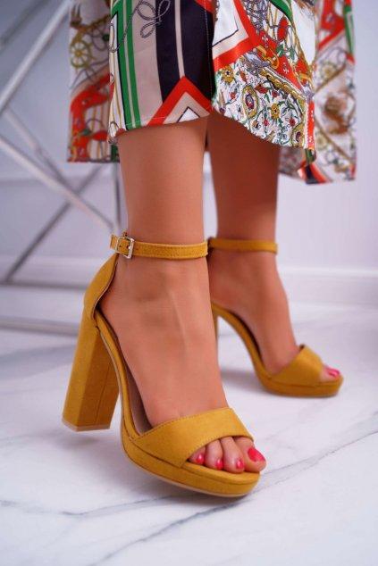 Dámske sandále na podpätku farba žltá kód obuvi W05-6 YELLOW
