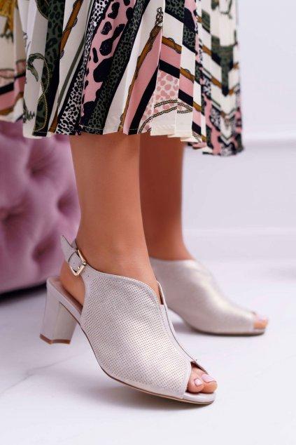 Dámske sandále na podpätku farba hnedá kód obuvi SK800 BEIGE