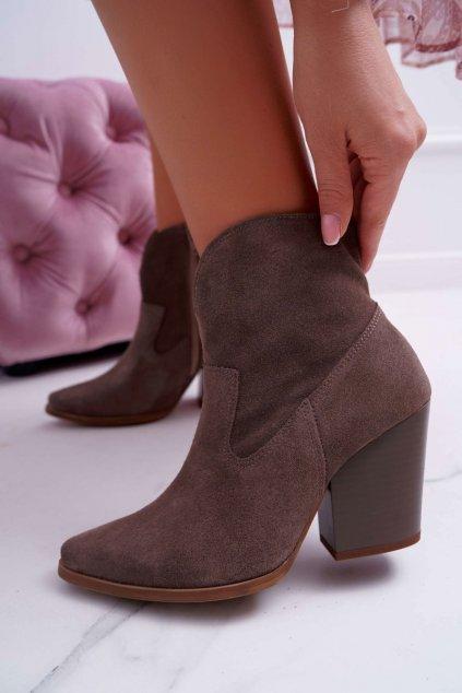 Členkové topánky na podpätku farba hnedá kód obuvi 2433 CAPPUCINO/W