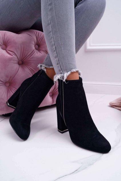 Členkové topánky na podpätku farba čierna kód obuvi M378 BLK