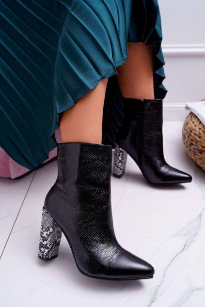 Členkové topánky na podpätku farba čierna kód obuvi M-T25 BLK