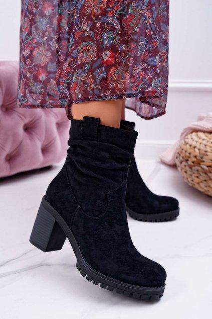 Členkové topánky na podpätku farba čierna kód obuvi RQ232 BLK