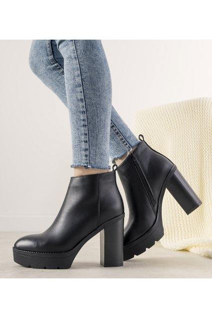 Dámske členkové topánky čierne kód 9551 - GM