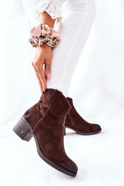 Členkové topánky na podpätku farba hnedá kód obuvi 22-10629 BR