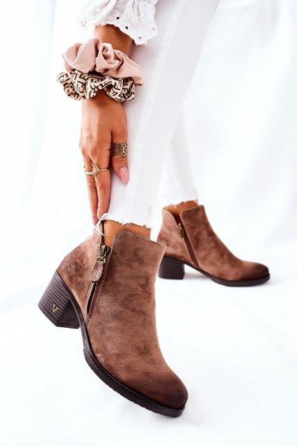 Členkové topánky na podpätku farba hnedá kód obuvi 22-10631 BEIGE