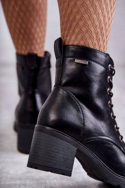 Členkové topánky na podpätku farba čierna kód obuvi 21-10643 BLK PU
