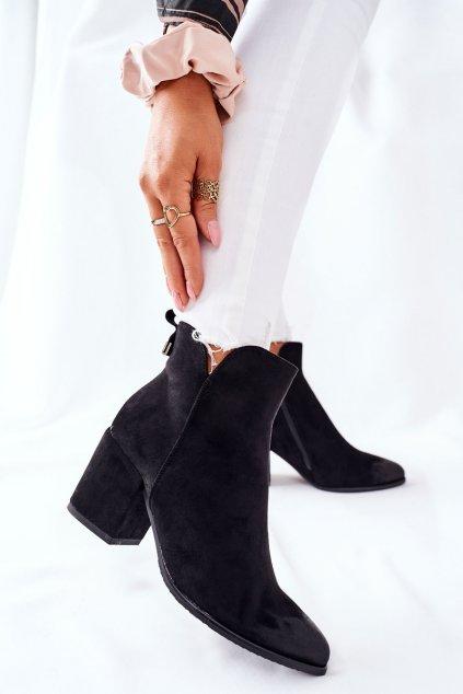Členkové topánky na podpätku farba čierna kód obuvi 22-10620 BLK