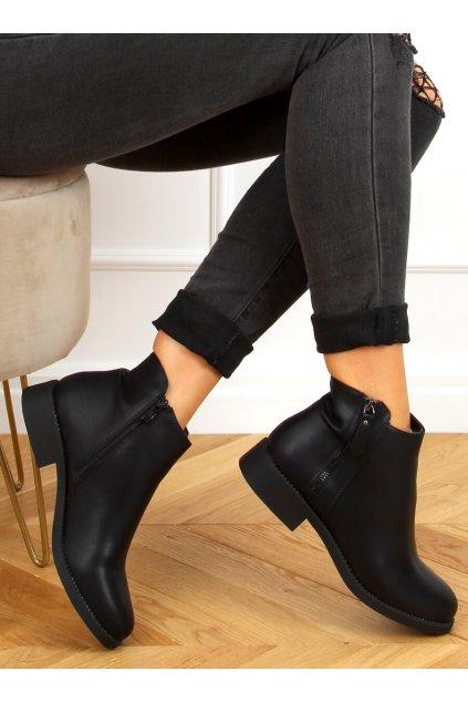 Dámske členkové topánky čierne na plochom podpätku MM-830