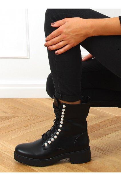 Dámske členkové topánky čierne na plochom podpätku R528