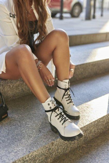 Členkové topánky na podpätku farba biela kód obuvi 21-50001 WHITE
