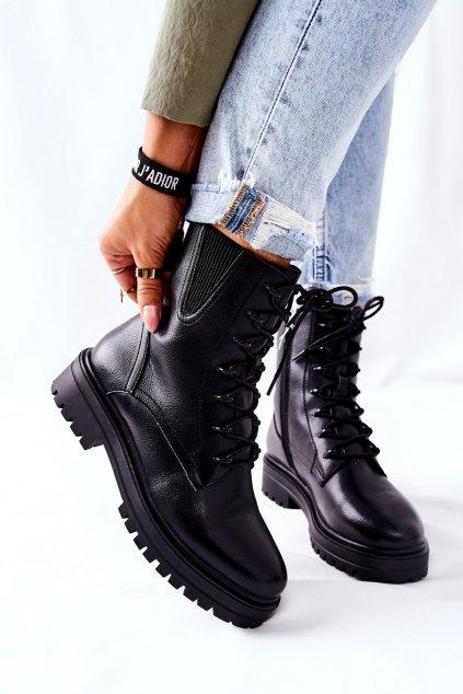 Členkové topánky na podpätku farba čierna kód obuvi TR756 BLK