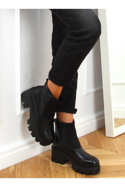 Dámske členkové topánky čierne na širokom podpätku CH19208