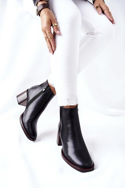 Členkové topánky na podpätku farba čierna kód obuvi BT545 BLK PU