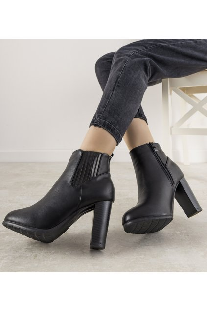 Dámske členkové topánky čierne kód F815-5 - GM