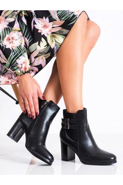 Čierne dámske topánky Renda kod 8998-35B
