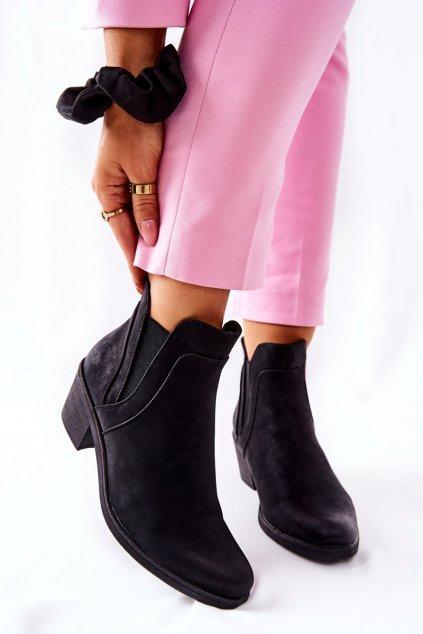 Členkové topánky na podpätku farba čierna kód obuvi BT620 BLK