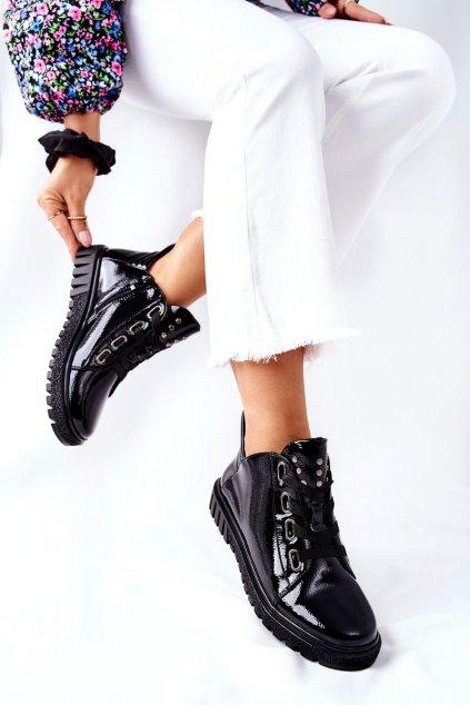 Dámske poltopánky farba čierna kód obuvi PB210 BLK LAK