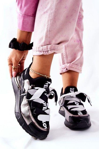 Dámske tenisky farba čierna kód obuvi 22-10658 PW