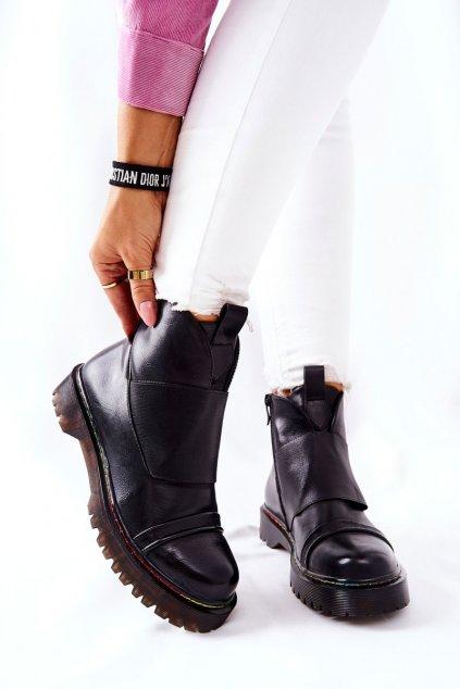 Členkové topánky na podpätku farba čierna kód obuvi A3601 BLK