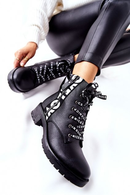 Členkové topánky na podpätku farba čierna kód obuvi 21-11025BK