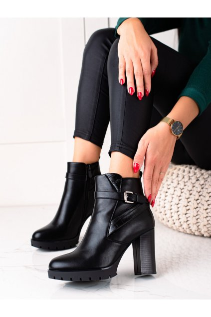 Čierne dámske topánky Bestelle kod 168-258B