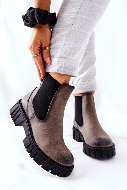 Členkové topánky na podpätku farba sivá kód obuvi TR761 GREY