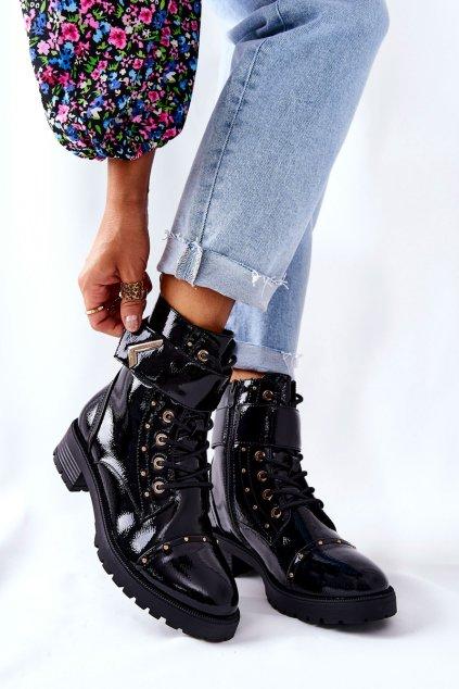 Členkové topánky na podpätku farba čierna kód obuvi 88282 BLK PATENT