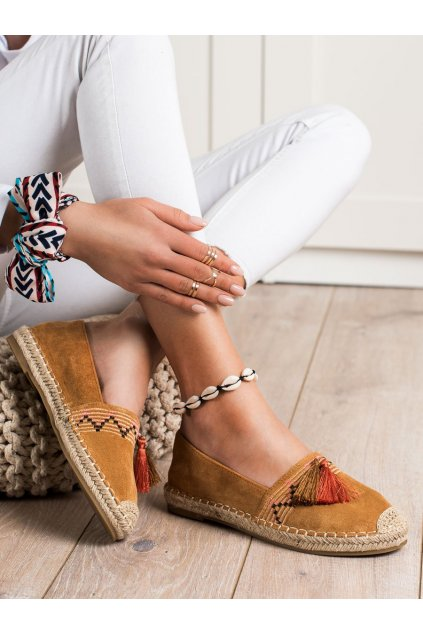 Hnedé dámske poltopánky Best shoes kod 3R11C