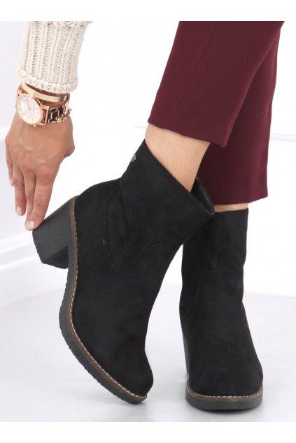 Dámske členkové topánky čierne na širokom podpätku 8B852