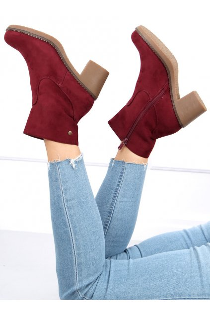 Dámske členkové topánky červené na širokom podpätku 8B852