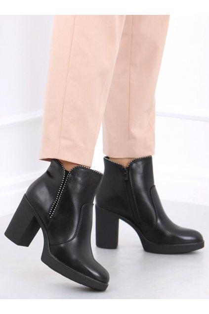 Dámske členkové topánky čierne na širokom podpätku 2478