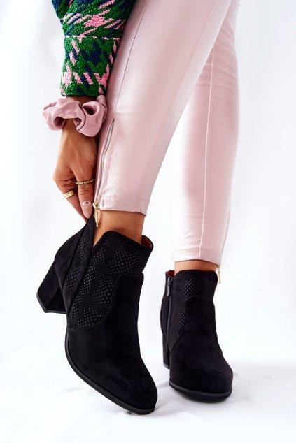 Členkové topánky na podpätku farba čierna kód obuvi 21BT35-4209 BLK