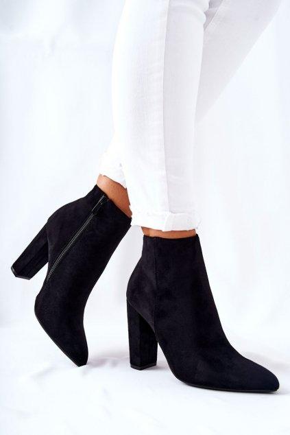 Členkové topánky na podpätku farba čierna kód obuvi UK31 BLK