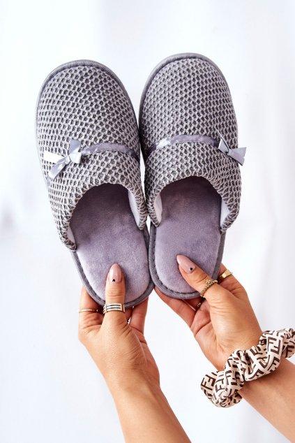 Dámske šľapky farba sivá kód obuvi 21PA36-4376 GREY